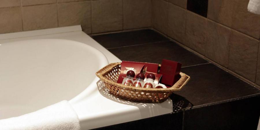 готель, Готель Швейцарський