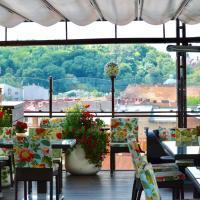 Літня тераса ресторану «Валентино» фото #2