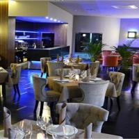 LH Bar & Restaurant фото #3