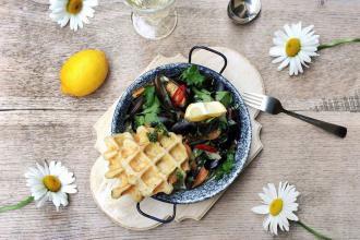 Куштуйте найсмачніші бельгійські вафлі у самому серці Львова , Familia Wine&Waffles фото #2