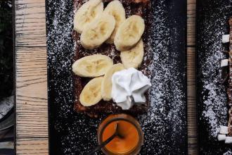 Куштуйте найсмачніші бельгійські вафлі у самому серці Львова , Familia Wine&Waffles фото #7