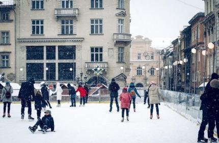 фото Де у Львові покататися на ковзанах? Локації, графік, ціни