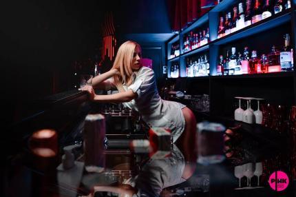 фото Вибір коктейлю найкраще довірити красуням Pink Show Girls!