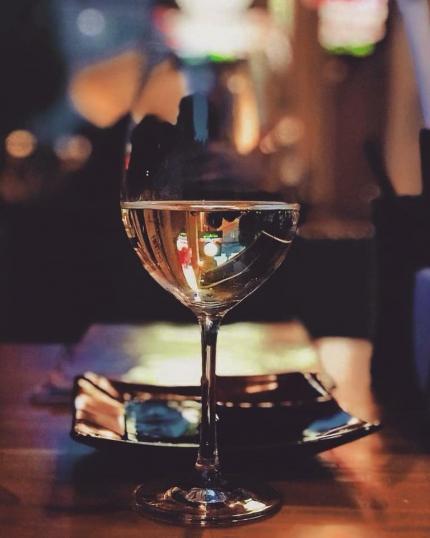 фото Ще більше вишуканих страв та оновлена колекція вин світу!