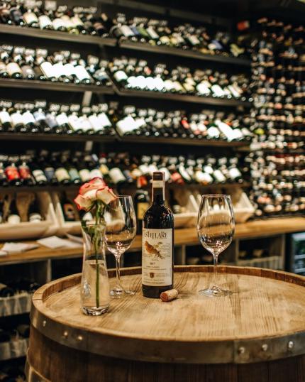 фото Піца, спеції, фреш-паста, винна карта з 250 італійських вин, Сelentano Shop, дитяча зона Bambino і унікальна кімната з 3D-мапінгом — унікальний заклад працює на площі Григоренка, 5.