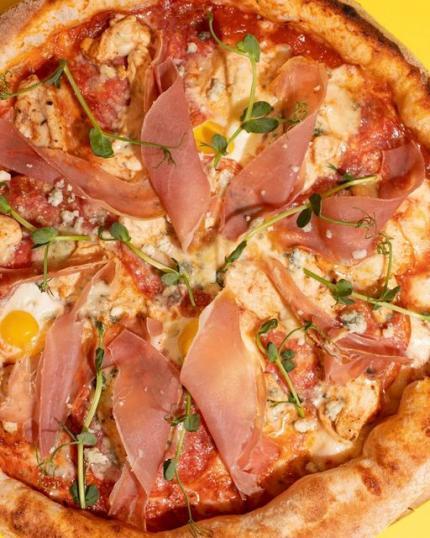 фото Гаряча піца від Prscco & PZZA — саме те що потрібно в таку погоду